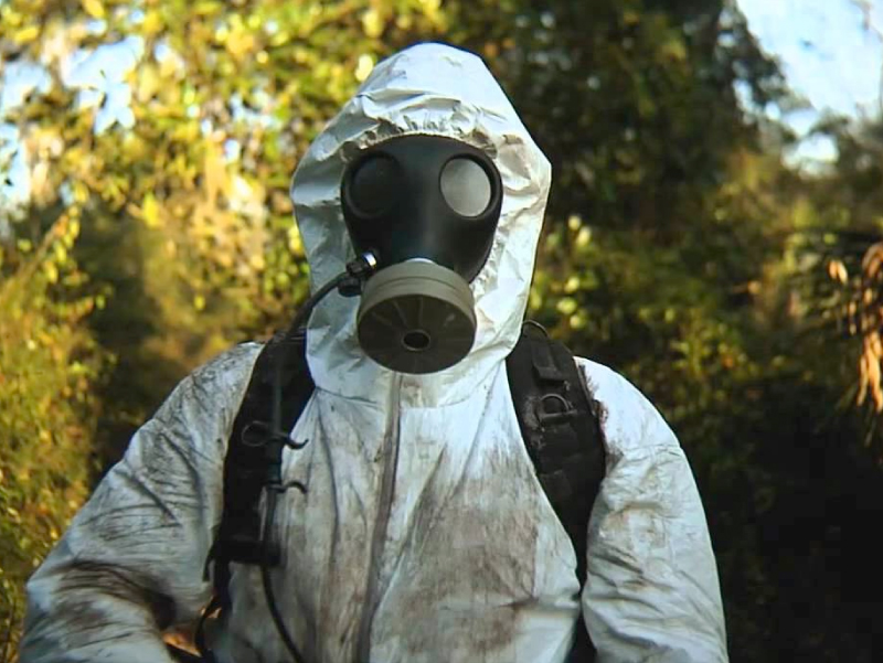 Biohazmat suit for biohazard cleaning